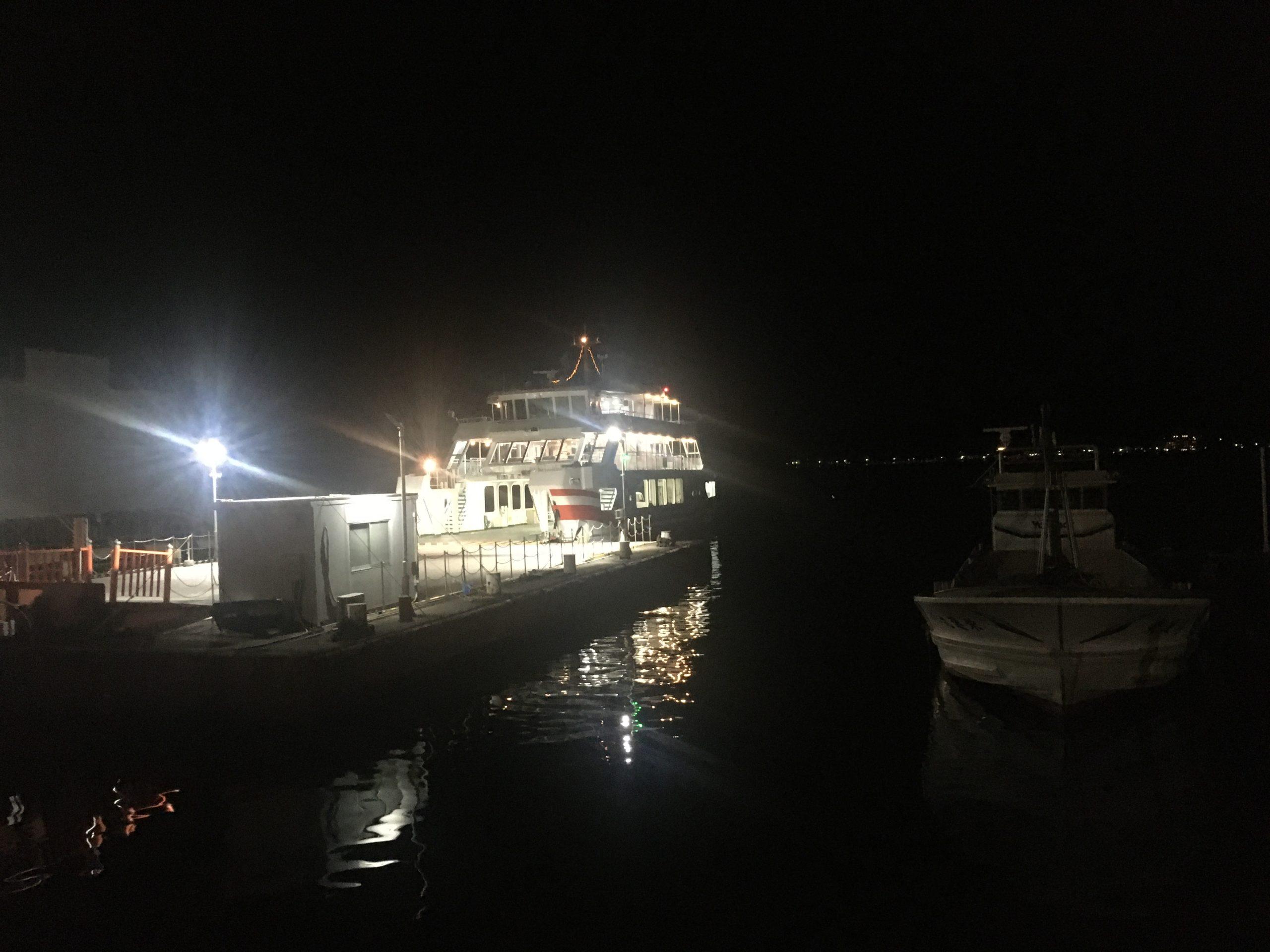 宮島フェリー(夜)